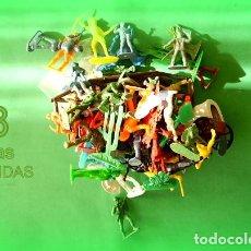 Juguetes Antiguos: FIGURAS Y SOLDADITOS DE DIFERENTES CTMS -8032. Lote 154358018