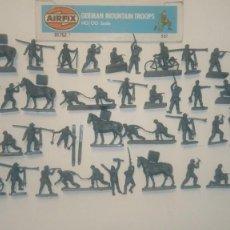 Juguetes Antiguos: AIRFIX ORIGINAL HO-1/72 TROPAS DE MONTAÑA DE II WW. 46 SOLDADOS ALEMANES AÑOS 70.PTOY. Lote 156762074