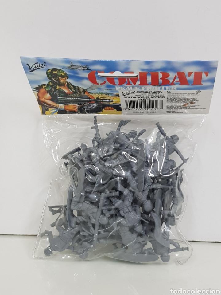 Juguetes Antiguos: Vidal lote de soldados de plástico para pintar combat - Foto 2 - 158408444