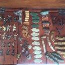 Juguetes Antiguos: SOLDADOS DE PLÁSTICO VARIOS TIPOS. MUCHOS ACCESORIOS. UNIMAX TOYS LTD. 2003. Lote 160350257