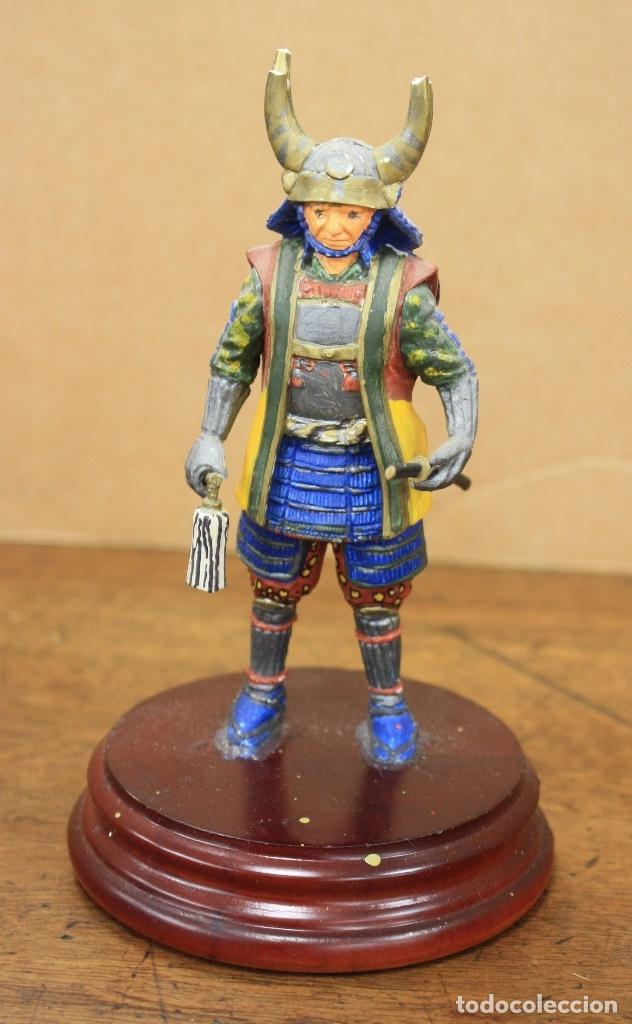 FIGURA GUERRERO SAMURAI, JAPON. S. XVIII. SOBRE PEANA DE MADERA. EN RESINA (Juguetes - Soldaditos - Otros soldaditos)