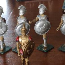 Juguetes Antiguos: SOLDADOS ARTICULADOS DE GOMA O PLÁSTICO ESPARTANOS U HOPLITAS. Lote 165495829