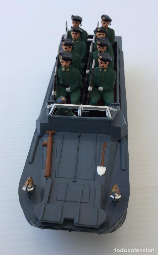 Juguetes Antiguos: Vehículo militar camión anfibio años 40 + 9 soldaditos - Foto 2 - 166271774