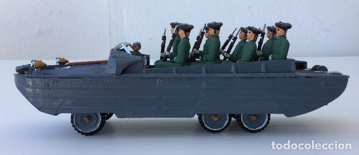 Juguetes Antiguos: Vehículo militar camión anfibio años 40 + 9 soldaditos - Foto 3 - 166271774