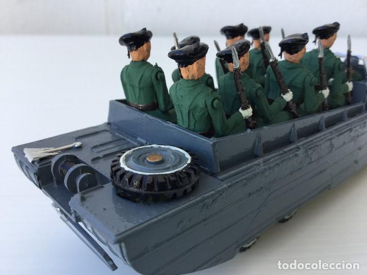 Juguetes Antiguos: Vehículo militar camión anfibio años 40 + 9 soldaditos - Foto 7 - 166271774