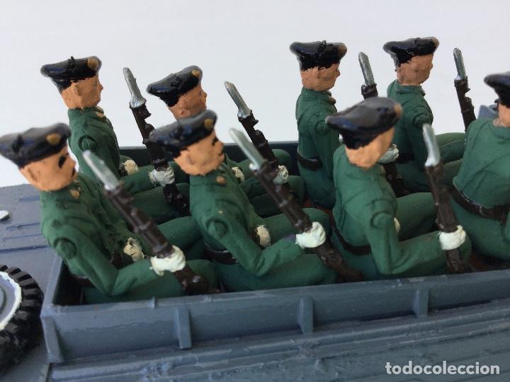 Juguetes Antiguos: Vehículo militar camión anfibio años 40 + 9 soldaditos - Foto 9 - 166271774