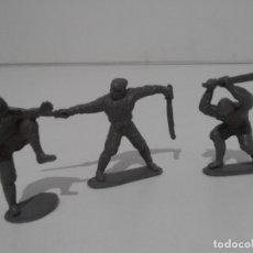 Juguetes Antiguos: LOTE 3 SOLDADITOS PLASTICO, 5 CM, G3, SOLDADOS. Lote 166310566