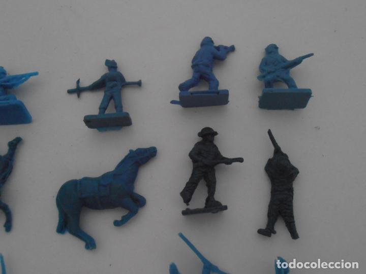 Juguetes Antiguos: LOTE 24 SOLDADITOS PLASTICO, 2 CM, A24, SOLDADOS - Foto 3 - 166314738