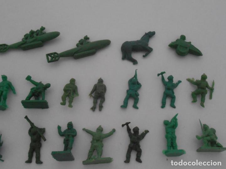 Juguetes Antiguos: LOTE 34 SOLDADITOS PLASTICO, 2 CM, V34, SOLDADOS - Foto 3 - 166315438