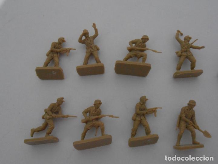 Juguetes Antiguos: LOTE 17 SOLDADITOS PLASTICO, 2 CM, D17, SOLDADOS - Foto 2 - 166315822