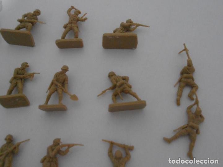 Juguetes Antiguos: LOTE 17 SOLDADITOS PLASTICO, 2 CM, D17, SOLDADOS - Foto 3 - 166315822