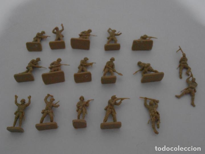 Juguetes Antiguos: LOTE 17 SOLDADITOS PLASTICO, 2 CM, D17, SOLDADOS - Foto 5 - 166315822