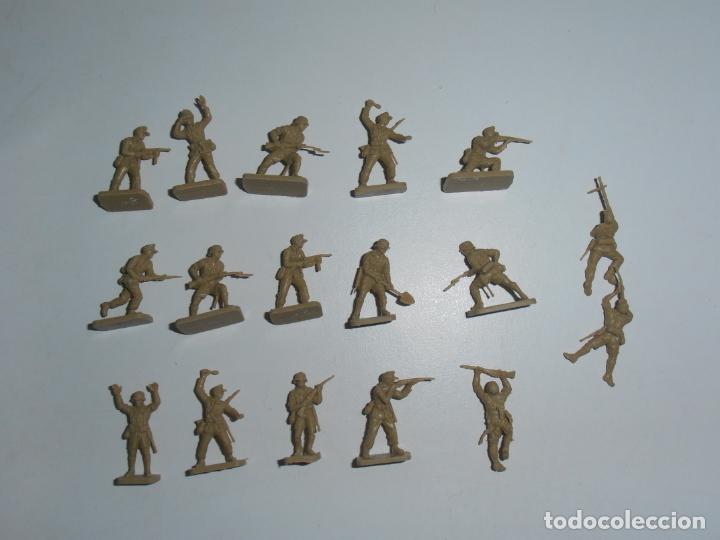 LOTE 17 SOLDADITOS PLASTICO, 2 CM, D17, SOLDADOS (Juguetes - Soldaditos - Otros soldaditos)
