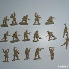 Juguetes Antiguos: LOTE 17 SOLDADITOS PLASTICO, 2 CM, D17, SOLDADOS. Lote 166315822