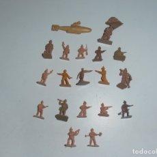 Juguetes Antiguos: LOTE 19 SOLDADITOS PLASTICO, 2 CM, D19, SOLDADOS. Lote 166316126