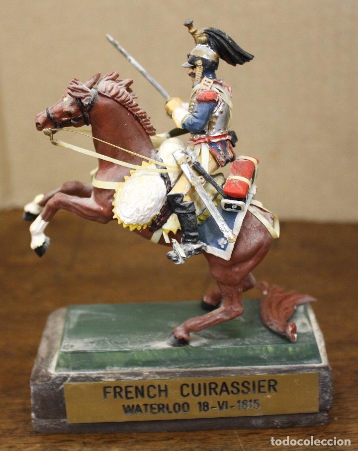 Juguetes Antiguos: FIGURA SOLDADO FRENCH CUIRASSIER WATERLOO 1815. EN RESINA. SOBRE PEANA - Foto 3 - 166402557