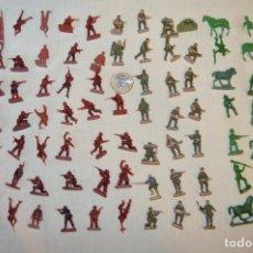 Juguetes Antiguos: SOBRE 85 FIGURAS / MILITARES - SOLDADOS - SIN IDENTIFICAR MARCA AÑOS 60. Lote 166548554