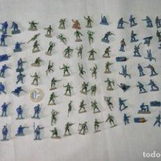 Juguetes Antiguos: SOBRE 110 FIGURAS / MILITARES - SOLDADOS - SIN IDENTIFICAR MARCA AÑOS 60. Lote 166550602