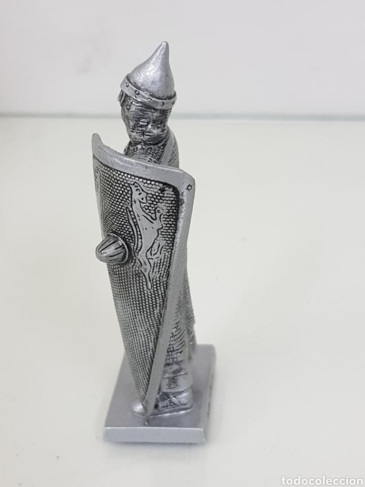 Juguetes Antiguos: Soldado fabricado en resina 2006 Veronese guerrero medieval con cota de malla 12 cm - Foto 2 - 167137916