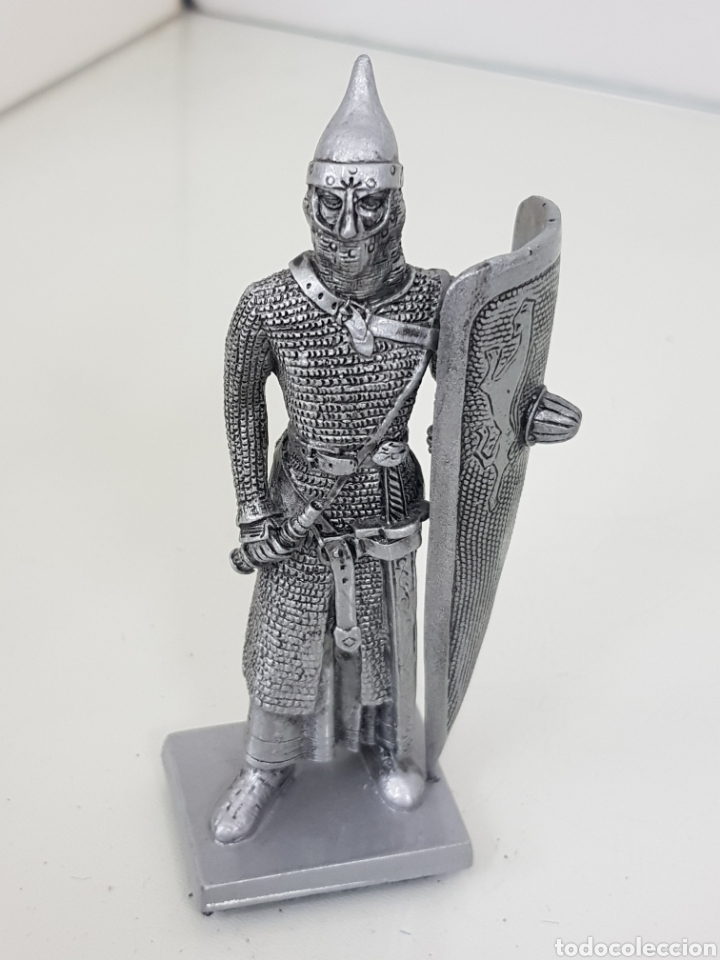 Juguetes Antiguos: Soldado fabricado en resina 2006 Veronese guerrero medieval con cota de malla 12 cm - Foto 4 - 167137916