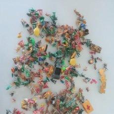 Juguetes Antiguos: LOTE DE SOLDADITOS DE PLASTICO AÑOS 80 Y 90 ORIGINALES. Lote 167464336