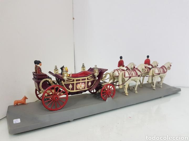 Juguetes Antiguos: Corgi viñeta 1902 State Landau silver Jubilee 1977 carroza real - Foto 4 - 169420685