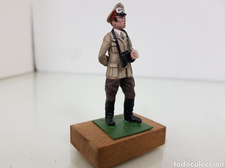 Juguetes Antiguos: Personajes famosos figura de plomo con peana de madera alemán - Foto 4 - 171418779