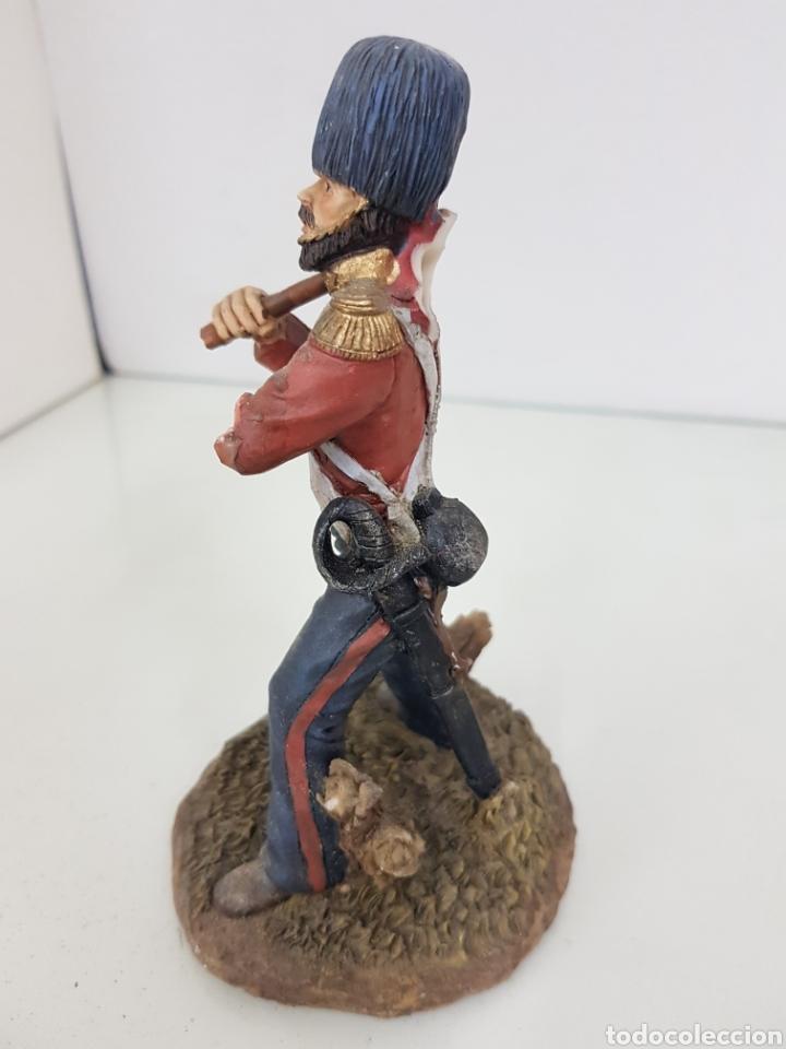 Juguetes Antiguos: Soldado tullido con brazo roto y sin bandera fabricado en resina de 16 centímetros - Foto 4 - 171681188