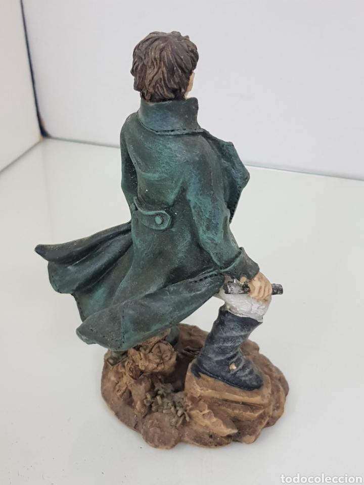 Juguetes Antiguos: Figura de alto cargo con catalejo fabricada en resina de 17 cm - Foto 3 - 171681767