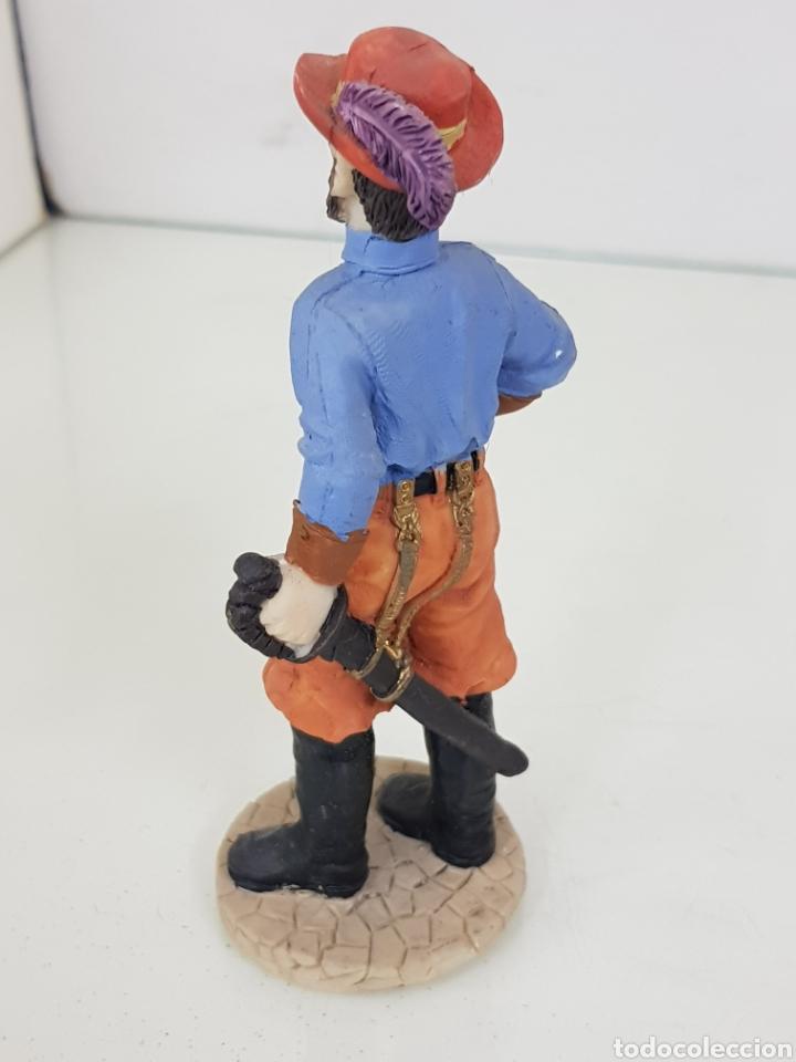 Juguetes Antiguos: Figura de soldado fabricado en resina hueca de 13 cm - Foto 2 - 171681898