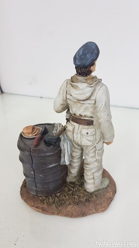 Juguetes Antiguos: Viñeta soldado desayunando fabricado en resina de 16 cm - Foto 3 - 172158253