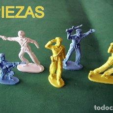 Juguetes Antiguos: FIGURAS Y SOLDADITOS DE ENTRE 5 Y 6 CTMS -9941. Lote 174213953