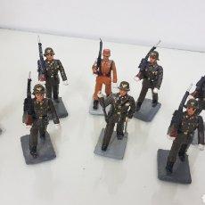 Juguetes Antiguos: LOTES DE 8 SOLDADOS DE GOMA DE 7 CM DE ALTURA CON PEANA. Lote 178113608