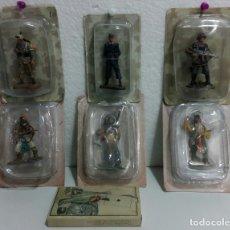 Juguetes Antiguos: LOTE 3 FIGURAS DE SOLDADOS, 3 DE INDIOS Y 1 BARAJA.. Lote 182434555