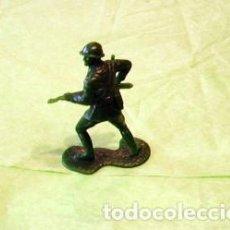 Juguetes Antiguos: FIGURAS Y SOLDADITOS DE 6 CTMS - 11130. Lote 194261745