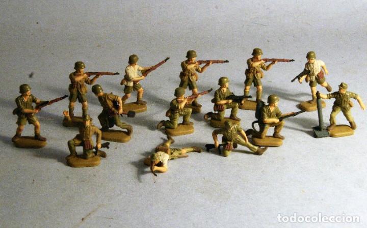 REVELL ESCALA 1/72. 14 SOLDADOS ALEMANES AFRIKA KORPS PINTADOS A MANO. (Juguetes - Soldaditos - Otros soldaditos)