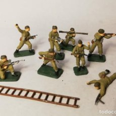 Juguetes Antiguos: AIRFIX ESCALA 1/72. 8 SOLDADOS BRITISH COMMANDOS WWII. PINTADOS A MANO. Lote 209607063