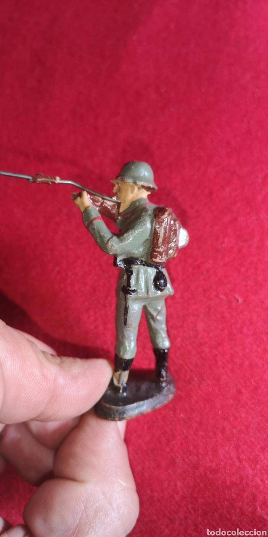Juguetes Antiguos: Antiguo soldado de Elastolin alemán Segunda Guerra Mundial - Foto 2 - 201599616
