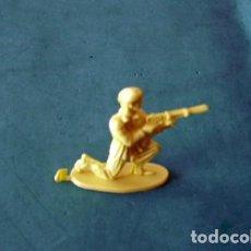 Juguetes Antiguos: FIGURAS Y SOLDADITOS 6 CTMS -11554. Lote 205344031