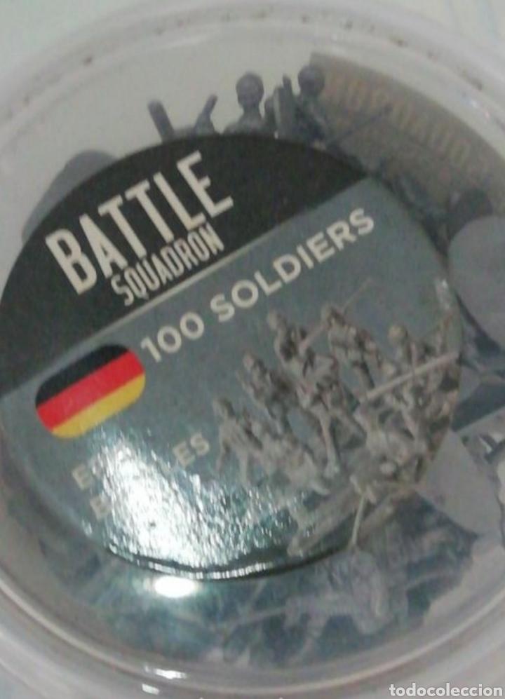 Juguetes Antiguos: Soldaditos de guerra miniatura lote de 97 soldaditos - Foto 4 - 210252675