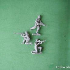 Juguetes Antiguos: FIGURAS Y SOLDADITOS DE 4 A 5 CTMS-11906. Lote 210715814