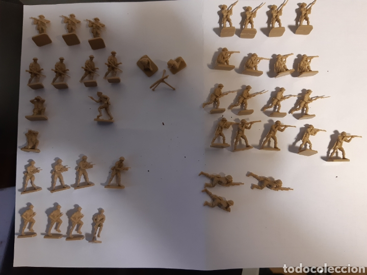 Juguetes Antiguos: 41 Soldados airfix eight army (britanicos) escala 1/72 - Foto 3 - 221703332