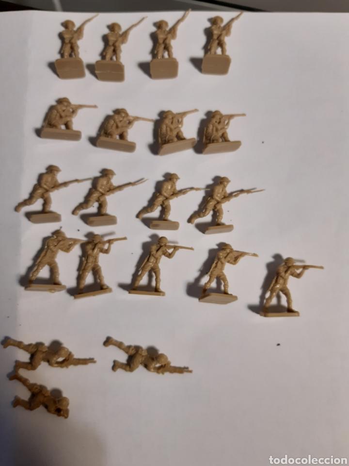 Juguetes Antiguos: 41 Soldados airfix eight army (britanicos) escala 1/72 - Foto 5 - 221703332