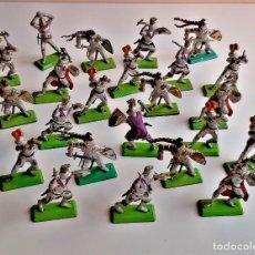 Juguetes Antiguos: LOTE DE 23 SOLDADOS GUERREROS U OTROS VARIOS - 6 A 7.CM ALTO APROX METAL Y PLASTICO DURO. Lote 222083553