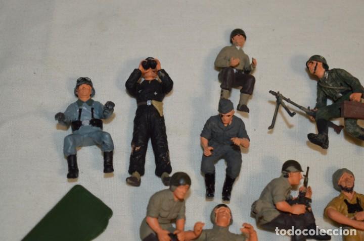 Juguetes Antiguos: Antiguo - Sobre 120 soldados / Diferentes Ejércitos - 2ª Guerra M. - Sobre 5 Cm. de altura - ¡Mira! - Foto 2 - 226344593