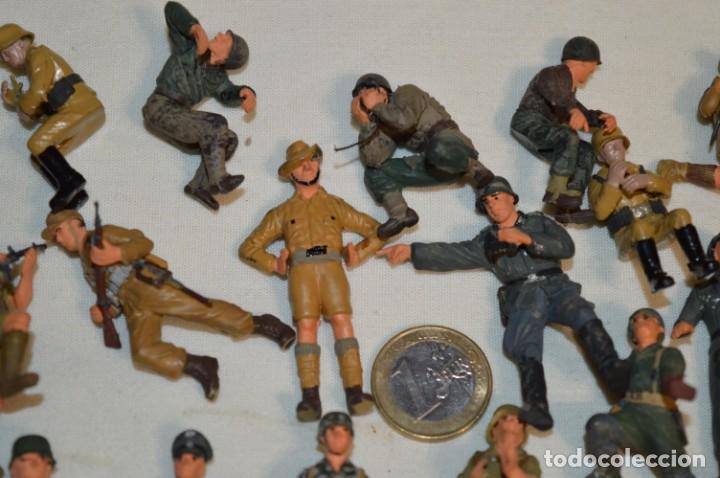 Juguetes Antiguos: Antiguo - Sobre 120 soldados / Diferentes Ejércitos - 2ª Guerra M. - Sobre 5 Cm. de altura - ¡Mira! - Foto 4 - 226344593