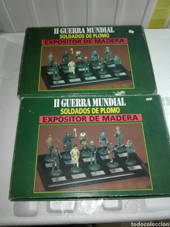 2 EXPOSITORES DE MADERA PARA SOLDADOS DE PLOMO (Juguetes - Soldaditos - Otros soldaditos)