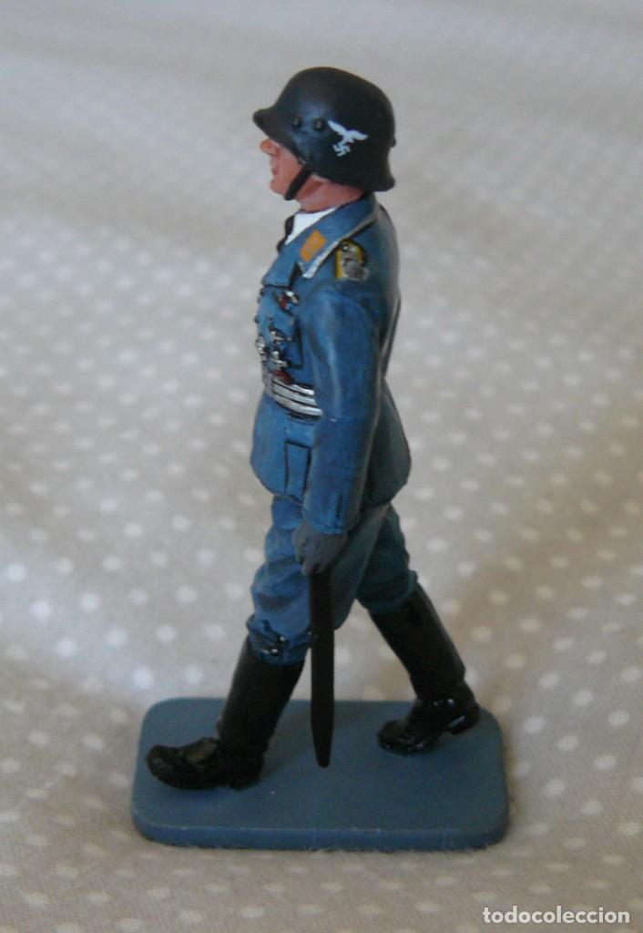 Juguetes Antiguos: 1/30 KING & COUNTRY LUFTWAFFE LW008 MARCHING OFFICER WITH SWORD - Foto 4 - 187147815