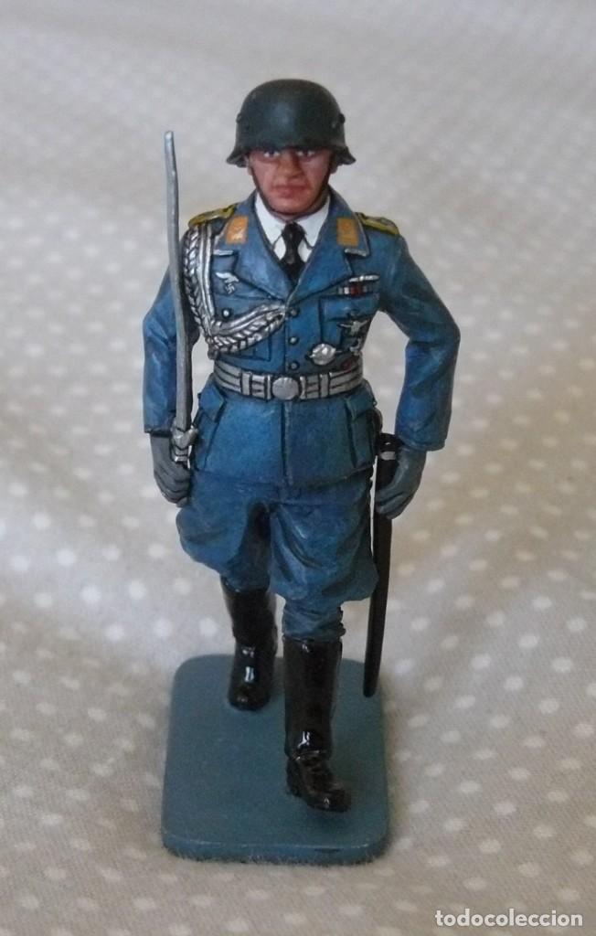 1/30 KING & COUNTRY LUFTWAFFE LW008 MARCHING OFFICER WITH SWORD (Juguetes - Soldaditos - Otros soldaditos)