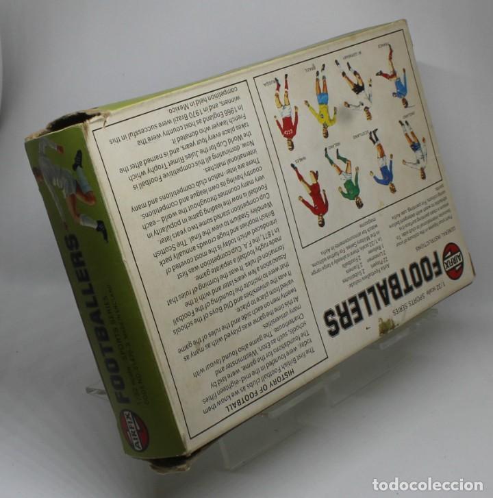 Juguetes Antiguos: AIRFIX FOOTBALLERS 1/32 SCALE 29 FIGURAS DE FUTBOLISTAS PLASTICO Año 1973 - Foto 5 - 245583735